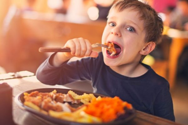 Push to get better children's meals on restaurant menus